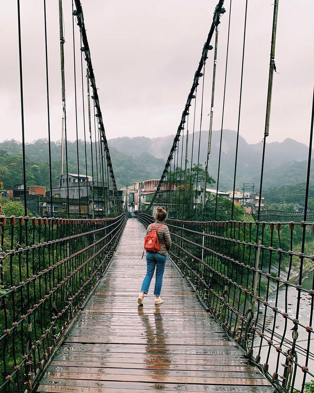十分吊桥-台湾精彩行程